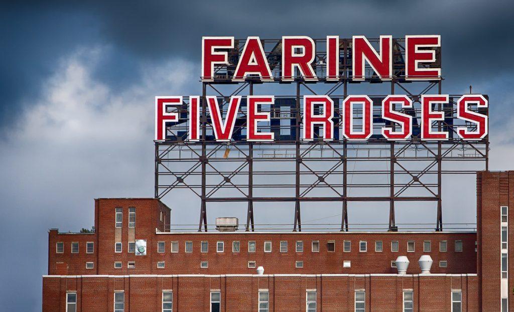 Enseigne Farine Five Roses à Montréal