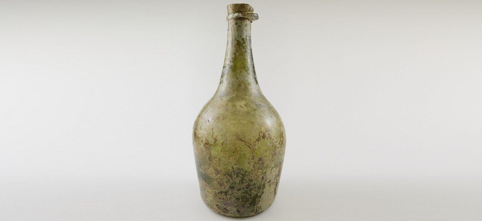 Bouteille de champagne datant de la Nouvelle-France