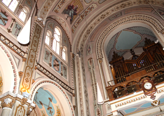 Décor peint de la chapelle Notre-Dame-de-Lourdes, à Montréal