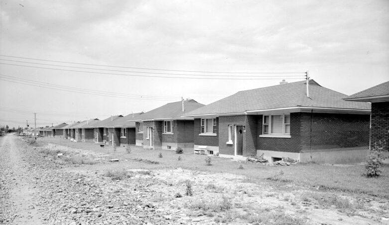 Nouveaux développements résidentiels, quartiers Rosemont et Mercier-Est (Tétreaultville), 11 juillet 1951